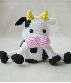 Amigurumi Free Patterns Cow : Pepika - Amigurumi Pattern - Amigurumi Cow