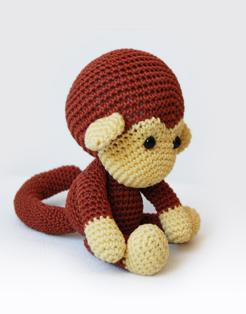 Original Little Bgfoot Monkey Free Crochet Pattern | 638x500
